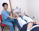 Máy vật lý trị liệu với việc hỗ trị điều trị sau tai biến