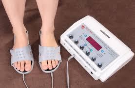 chức năng mát xa chân sử dụng đôi dép điện xung của DH14