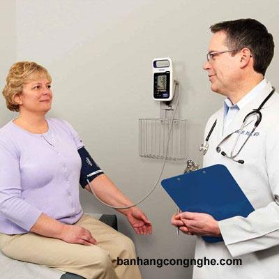 máy đo huyết áp chuyên nghiệp Omron HBP 1300 - 3